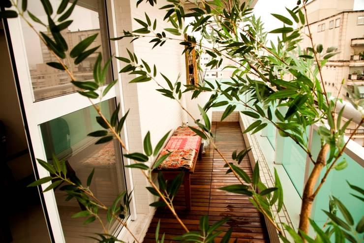 Consultório Médico VARANDA: Clínicas  por Marcia Debski Ferreira Designer de Interiores,