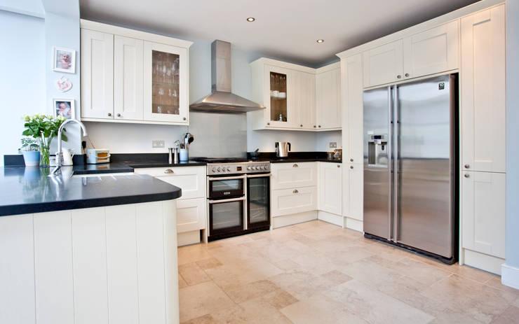 Projekty,  Kuchnia zaprojektowane przez A1 Lofts and Extensions