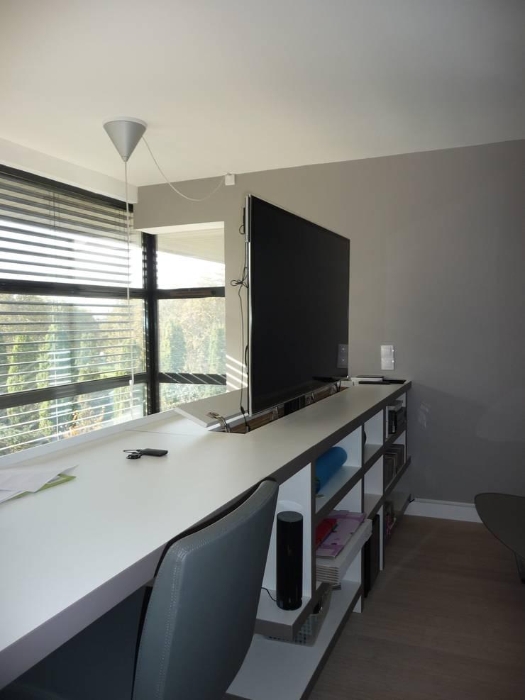 Duplex Parc de Bercy: Bureau de style  par AADD+