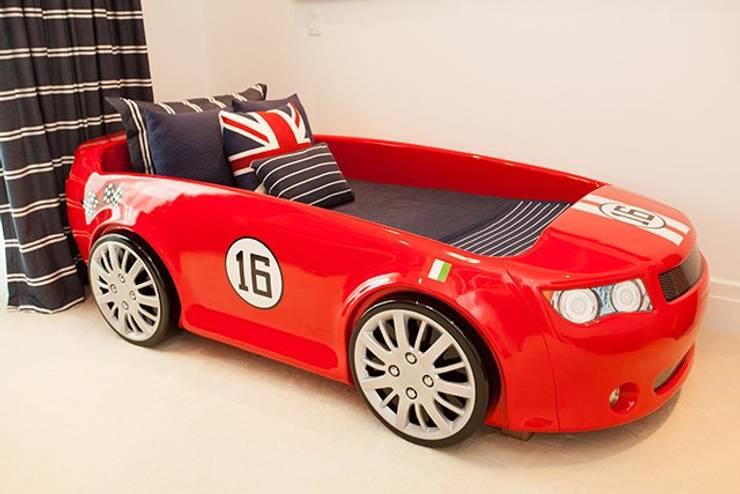 Cama Infantil Carro Ferrari: Quarto de crianças  por INTERCASA MÓVEIS INFANTIS E JUVENIS,