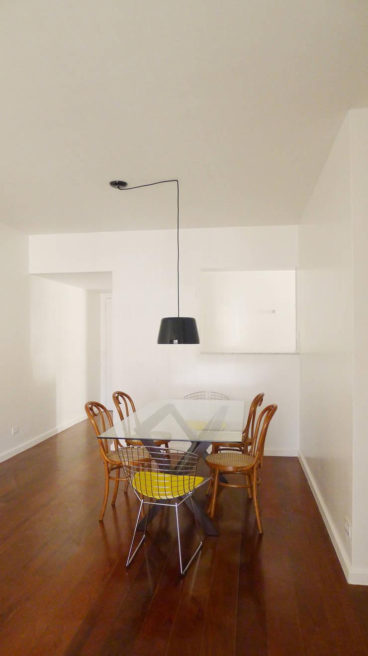 Apartamento K: Salas de jantar  por bARST arquitetura e urbanismo