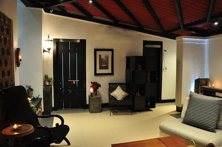 The Delhi Design Store: modern Study/office by monica khanna designs