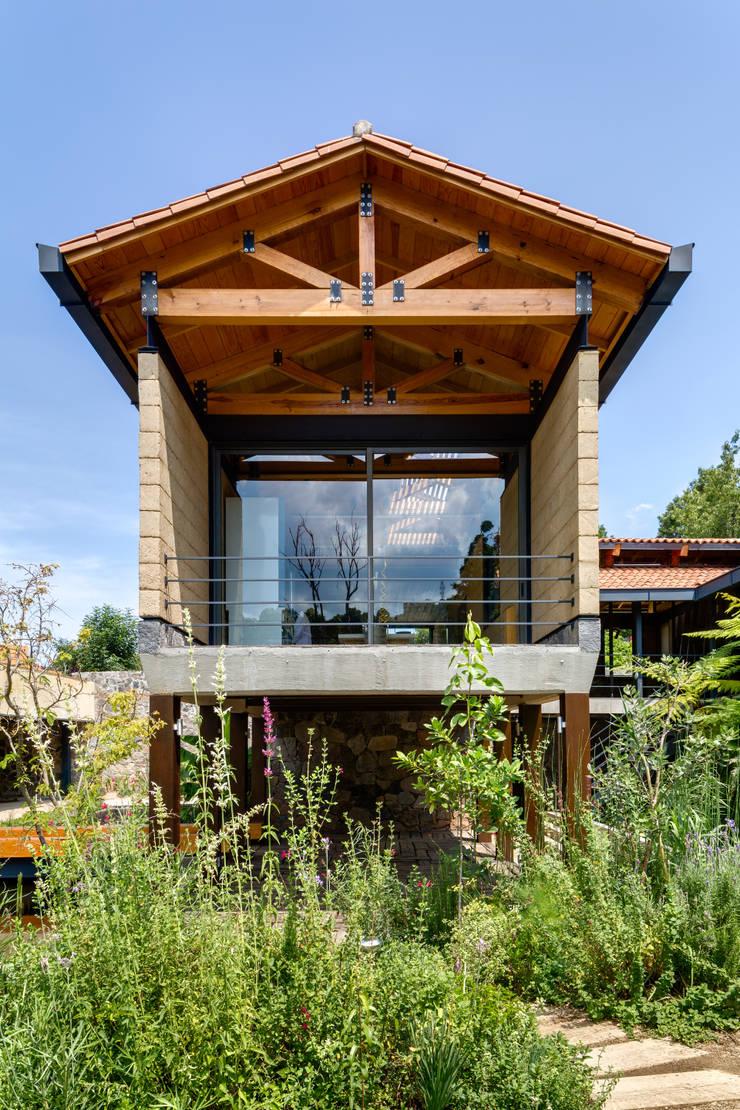 現代房屋設計點子、靈感 & 圖片 根據 TAAR / TALLER DE ARQUITECTURA DE ALTO RENDIMIENTO 現代風