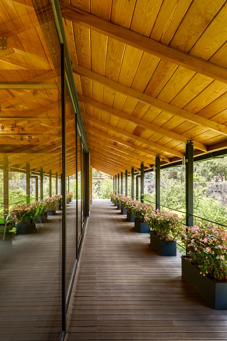Pasillos y hall de entrada de estilo  por TAAR / TALLER DE ARQUITECTURA DE ALTO RENDIMIENTO, Moderno
