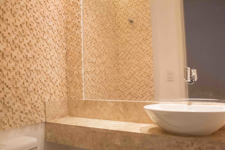 Bathroom by Danielle David Arquitetura,
