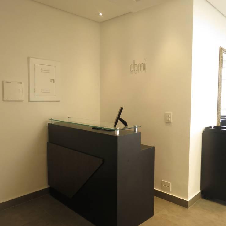 Recepção: Espaços comerciais  por Danielle David Arquitetura,Moderno