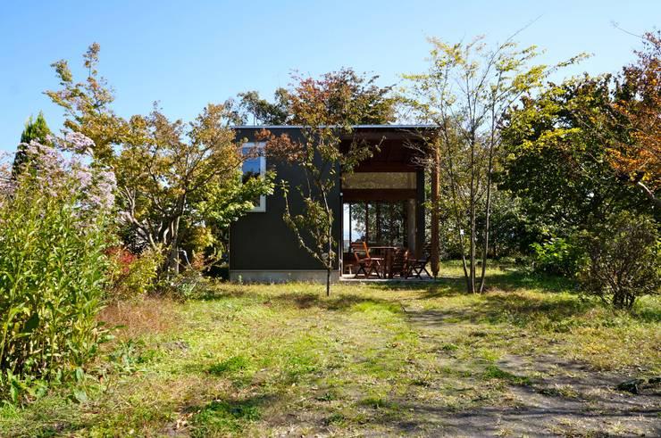 伊香保の小屋: デザインプラネッツ一級建築士事務所が手掛けた家です。