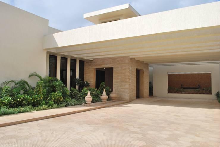 JSL Villa: modern Houses by Atelier Design N Domain