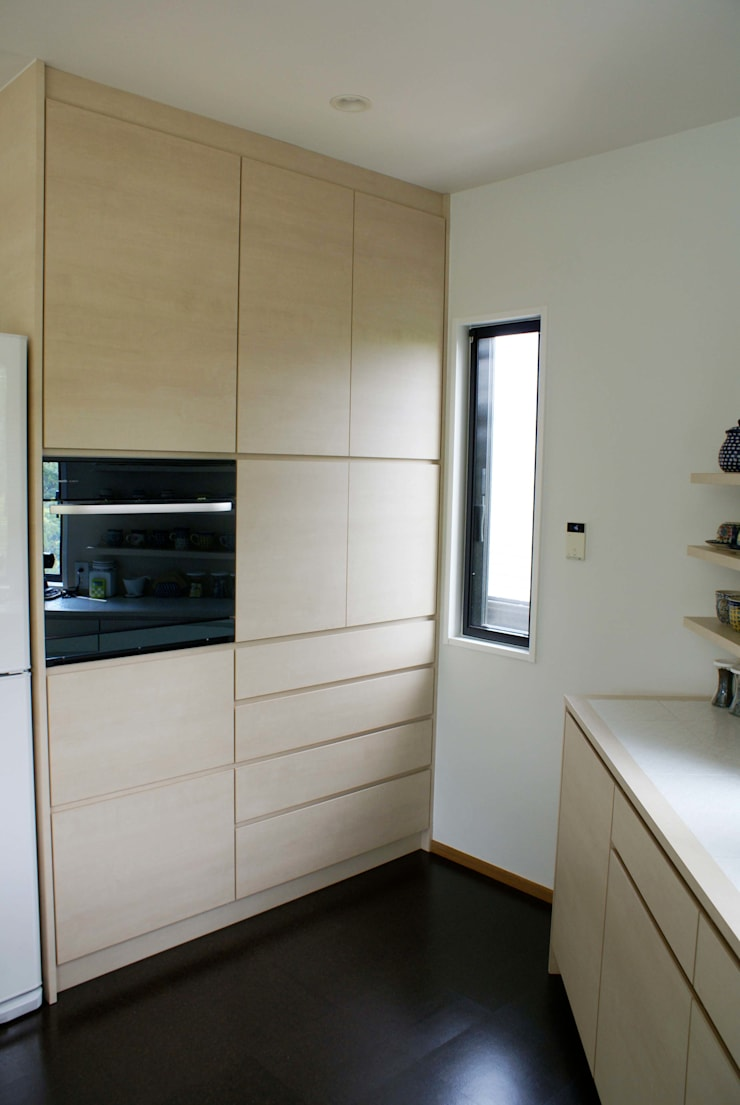 デザイナーと作るオンリーワンの空間。今回のテーマは「フレンチモロカン」。 地中海デザインの キッチン の 株式会社ウイッシュ 地中海