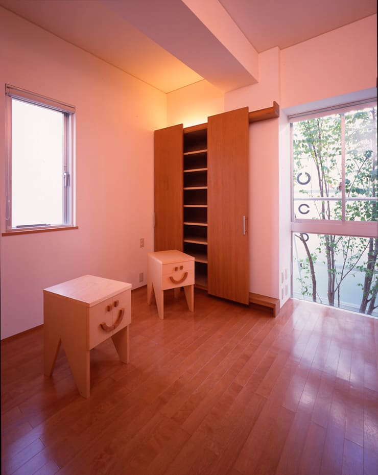 Modern style bedroom by Guen BERTHEAU-SUZUKI Co.,Ltd. Modern