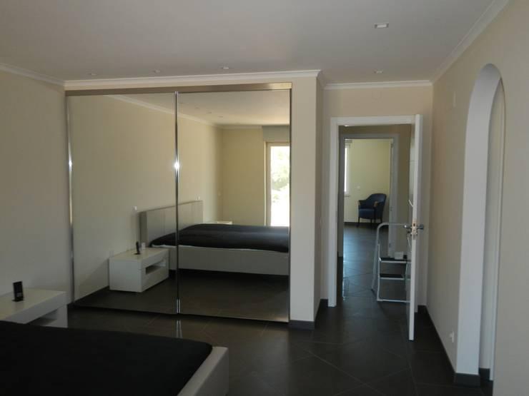 Bedroom by RenoBuild Algarve