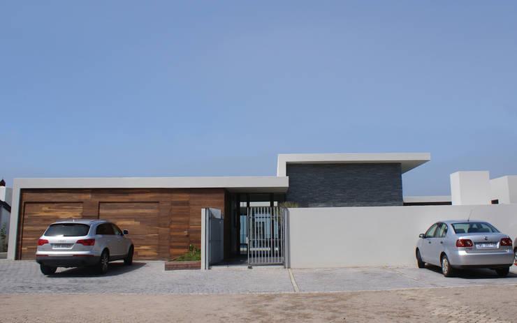 modern Houses by van ringen architecten