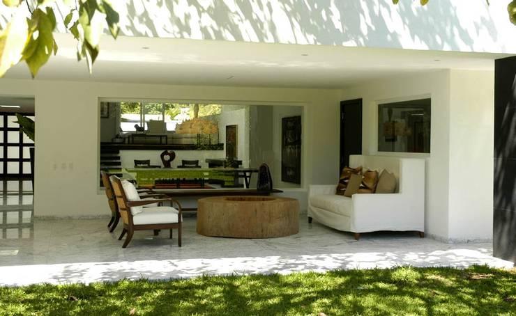 Corporativo: Jardines de estilo  por Olivia Aldrete Haas