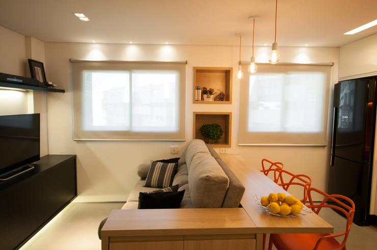 Apartamento Lago Norte: Salas de estar  por Carpaneda & Nasr