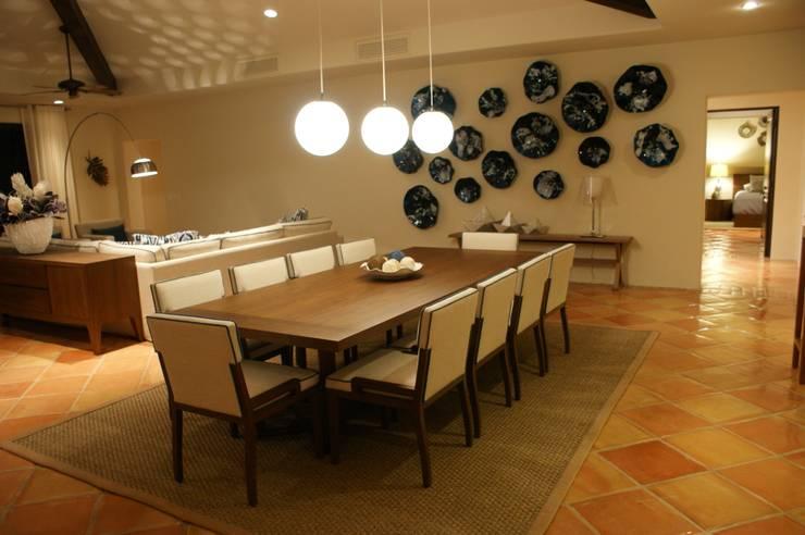 Penthouse Hacienda: Comedores de estilo  por Olivia Aldrete Haas
