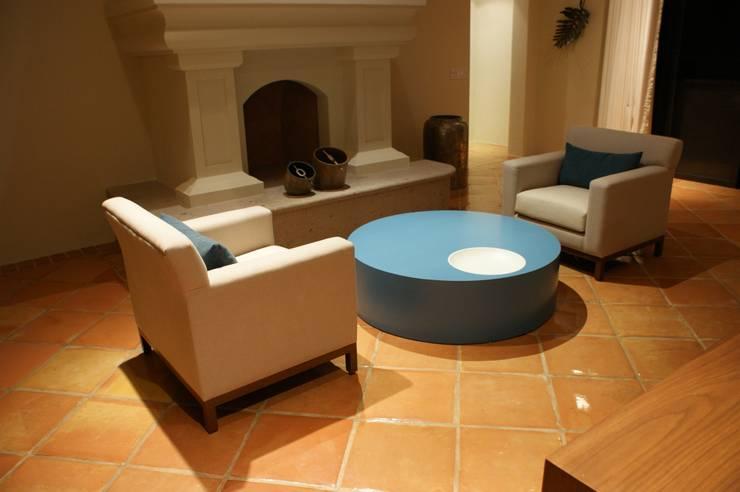 Penthouse Hacienda: Salas de estilo  por Olivia Aldrete Haas