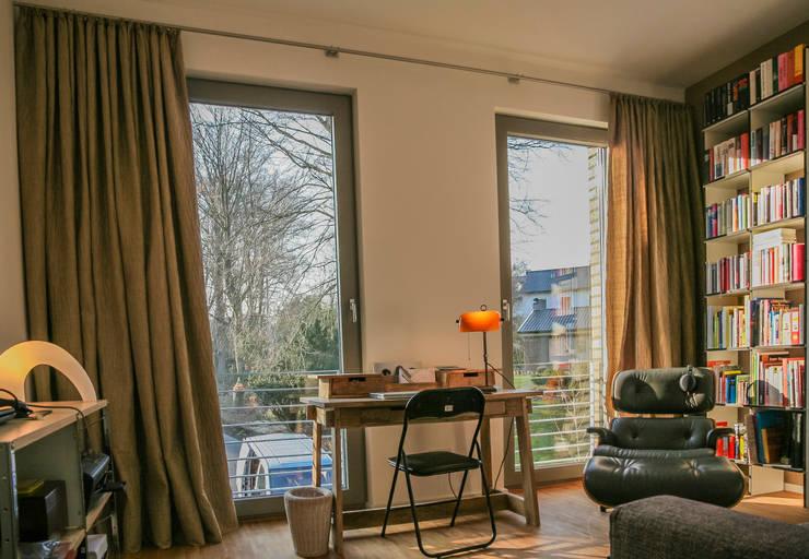 Dekoration Arbeitszimmer:  Arbeitszimmer von Frank Scheiter Wohnkonzepte