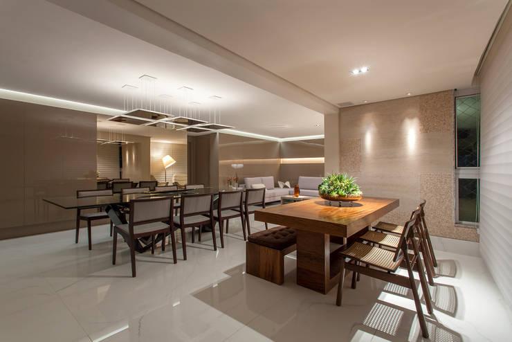 Apartamento A.P: Salas de jantar  por Bellini Arquitetura e Design,Moderno