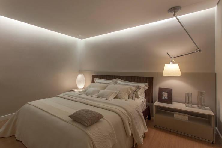 Apartamento A.P: Quartos  por Bellini Arquitetura e Design,Moderno