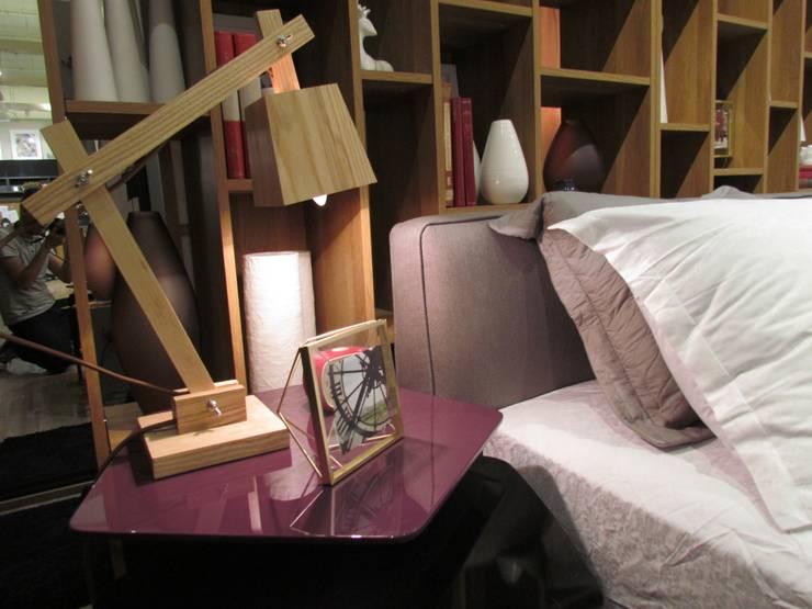 Dormitório para o Casal Descolado: Quartos  por MIS Arquitetura e Interiores