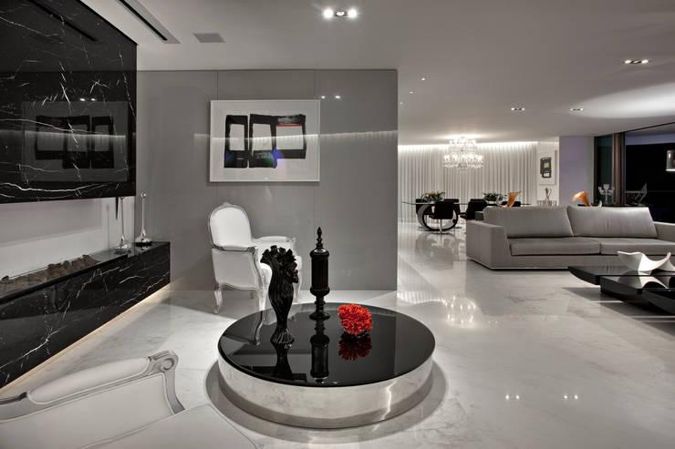 Apartamento P.P.N.R: Salas de estar modernas por Bellini Arquitetura e Design
