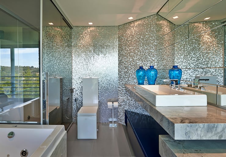modern Bathroom by Bellini Arquitetura e Design