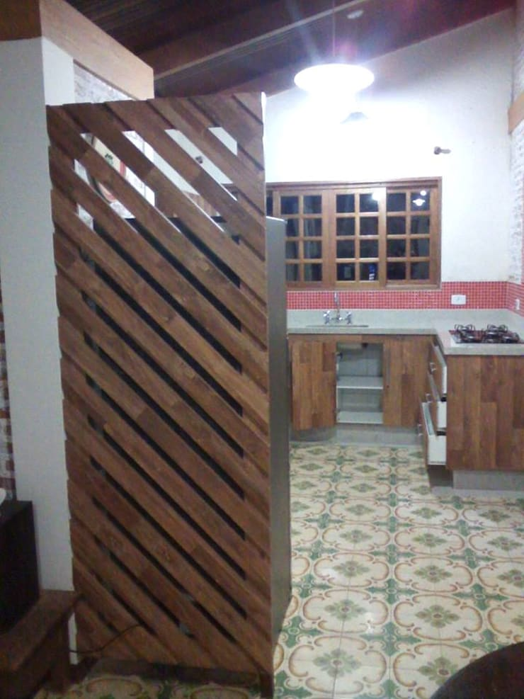 planejados: Cozinha  por Paulo Marceneiro