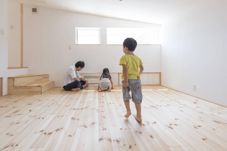 つどう×つながる家: 加藤淳一級建築士事務所が手掛けた子供部屋です。