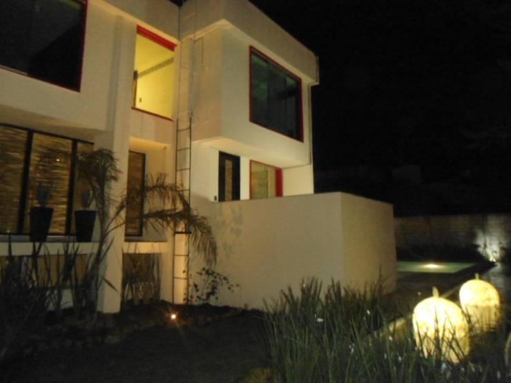 fachada exterior: Casas de estilo  por bello diseño!