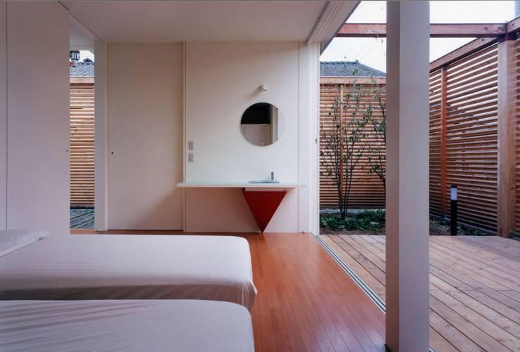 時間と共に形を変えていく: スタジオ・ベルナが手掛けた寝室です。