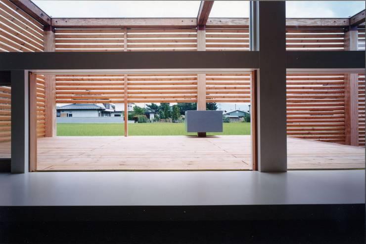 時間と共に形を変えていく: スタジオ・ベルナが手掛けた書斎です。