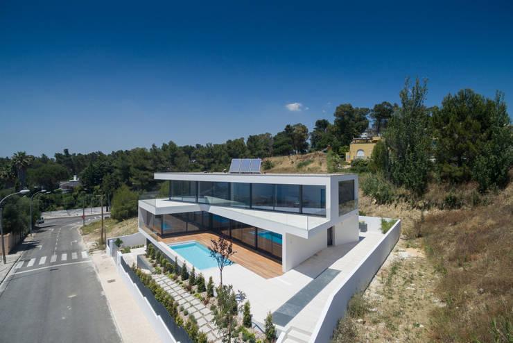 JC House: Casas modernas por JPS Atelier - Arquitectura, Design e Engenharia