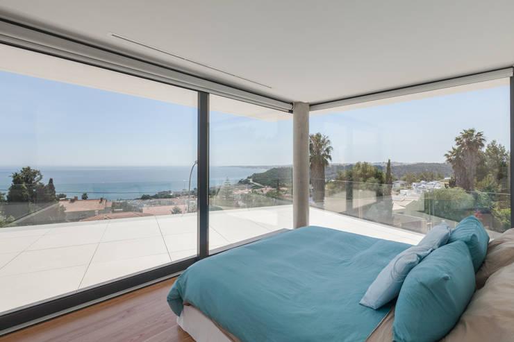 JC House: Quartos  por JPS Atelier - Arquitectura, Design e Engenharia