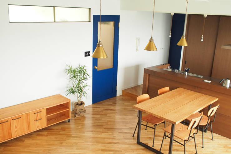 Ruang Keluarga by 株式会社K's建築事務所