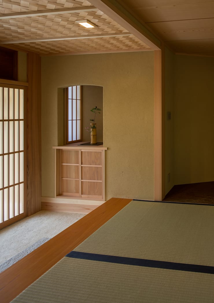 寺池台の家: 伊東建築計画室が手掛けたリビングです。