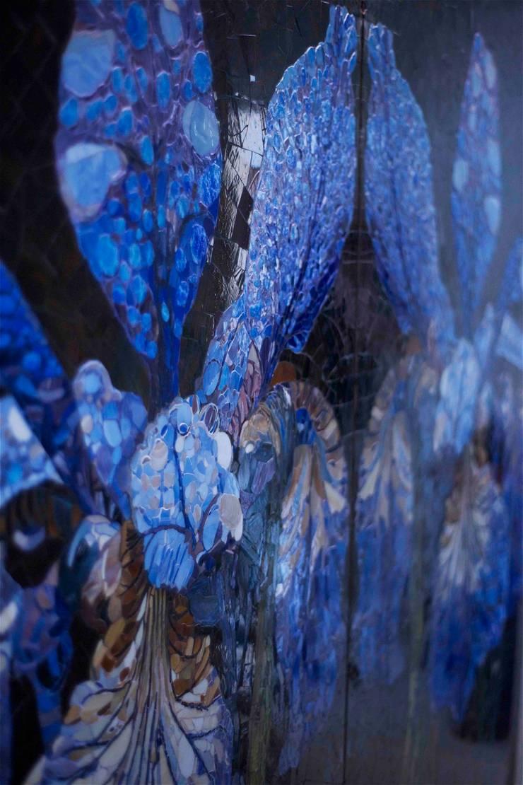 Irys - mozaika szklana: styl , w kategorii Łazienka zaprojektowany przez Pracownia Mozaiki M