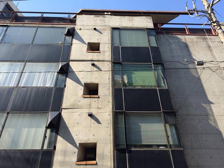 east elevation: 伊藤邦明都市建築研究所が手掛けた家です。