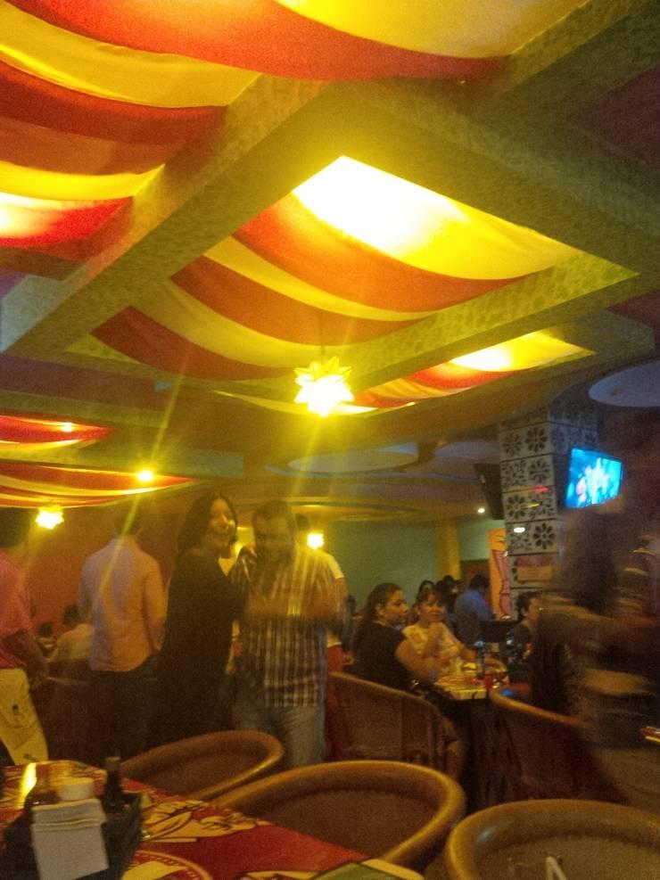 bar mexicano Bares y clubs de estilo ecléctico de bello diseño! Ecléctico