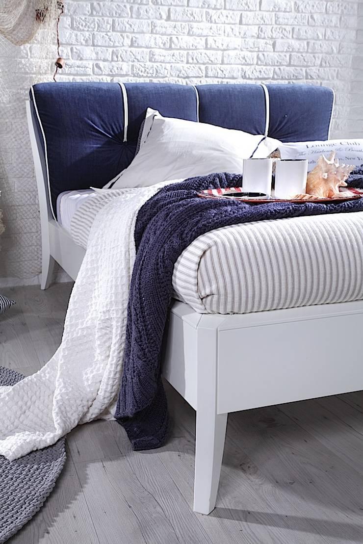 Dream Luxury bed: styl , w kategorii  zaprojektowany przez Swarzędz Home ,Śródziemnomorski Drewno O efekcie drewna