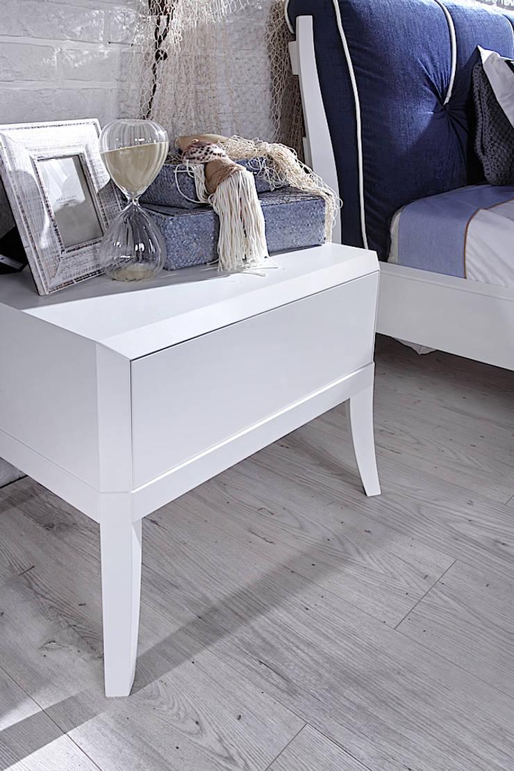 Dream szafka nocna: styl , w kategorii  zaprojektowany przez Swarzędz Home ,Śródziemnomorski