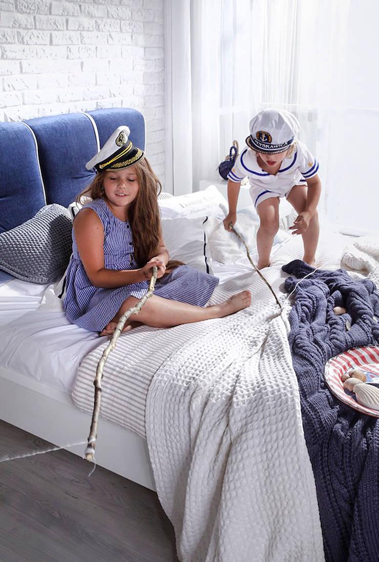 zabawa na łóżku Dream: styl , w kategorii  zaprojektowany przez Swarzędz Home ,Śródziemnomorski