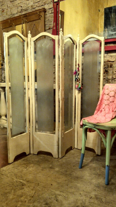ANTIGUO BIOMBO: Vestidores de estilo  por Muebles eran los de antes - Buenos Aires