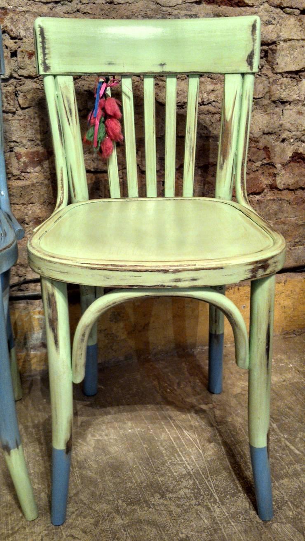 ANTIGUA SILLAS THONET DE BAR: Cocinas de estilo rústico por Muebles eran los de antes - Buenos Aires