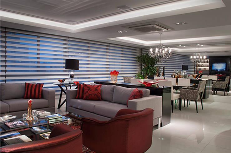 Sala Estar /Jantar Apartamento 1: Salas de estar  por Angela Ognibeni Arquitetura e Interiores
