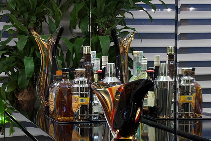 Sala Estar /Jantar Apartamento 1: Sala de jantar  por Angela Ognibeni Arquitetura e Interiores