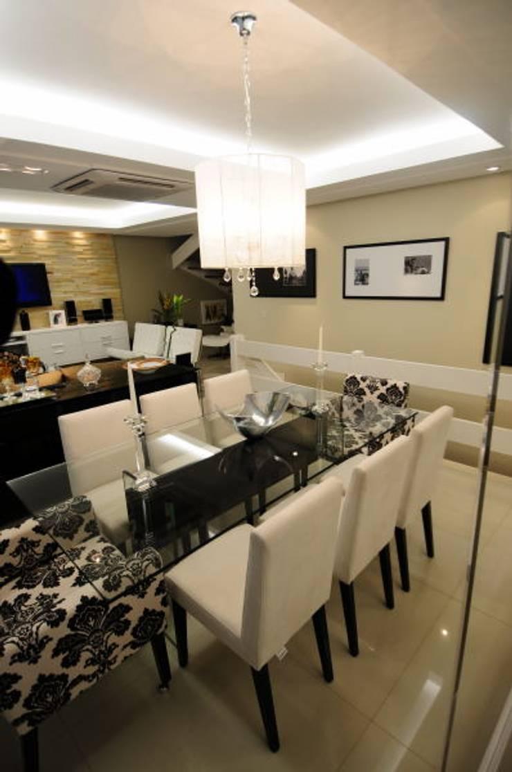 Sala Estar /Jantar Residência: Salas de jantar  por Angela Ognibeni Arquitetura e Interiores