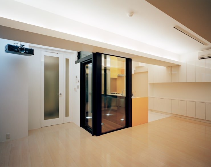 Salones de estilo  de 片岡直樹設備設計一級建築士事務所, Moderno