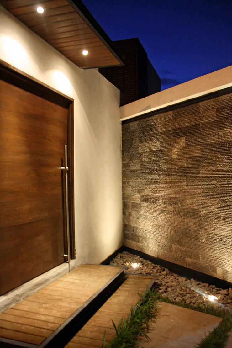 Muro llorón: Casas de estilo  por Narda Davila arquitectura