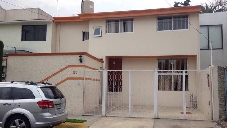 CASA LOMAS DE STA. CRUZ NAUCALPAN EDO. DE MEXICO: Casas de estilo  por LOGE ARQUITECTOS