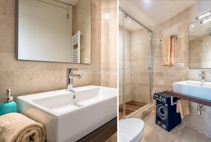detalle baño: Baños de estilo  de Espacios y Luz Fotografía